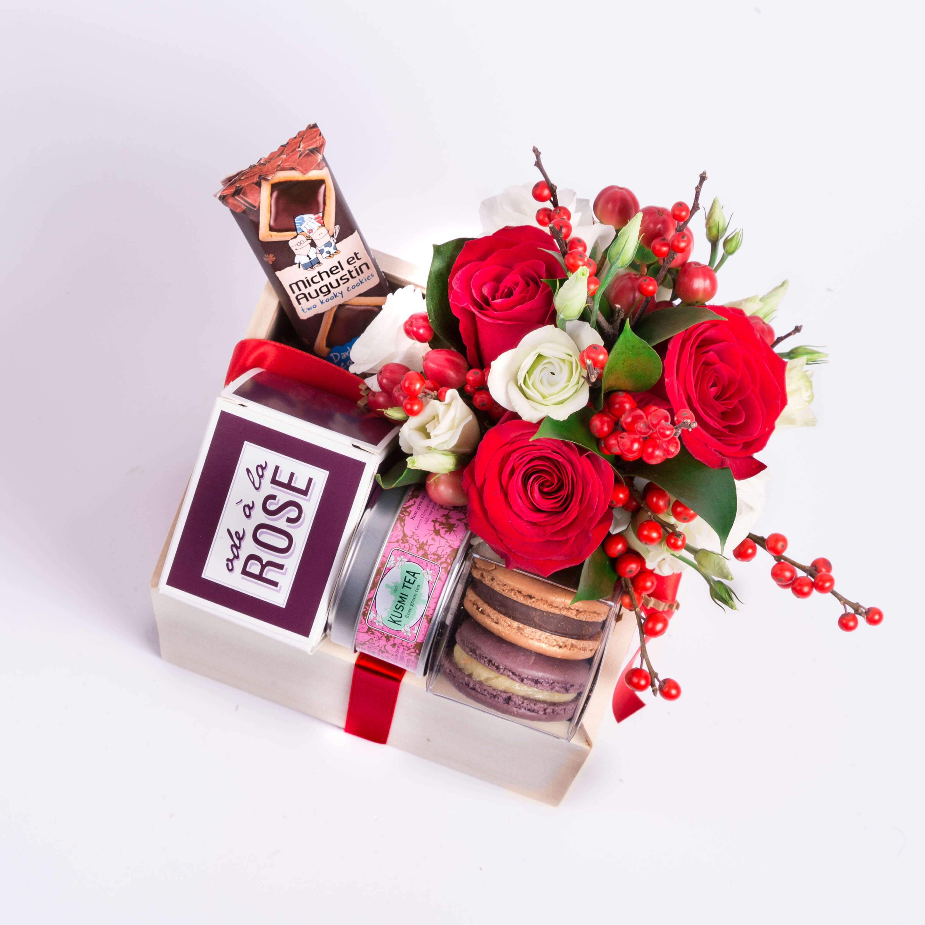 Holiday gift boxes paired with our signature rose de jardin candle and mini bouquet of fresh flowers we think this makes the perfect gift for clients or colleagues izmirmasajfo
